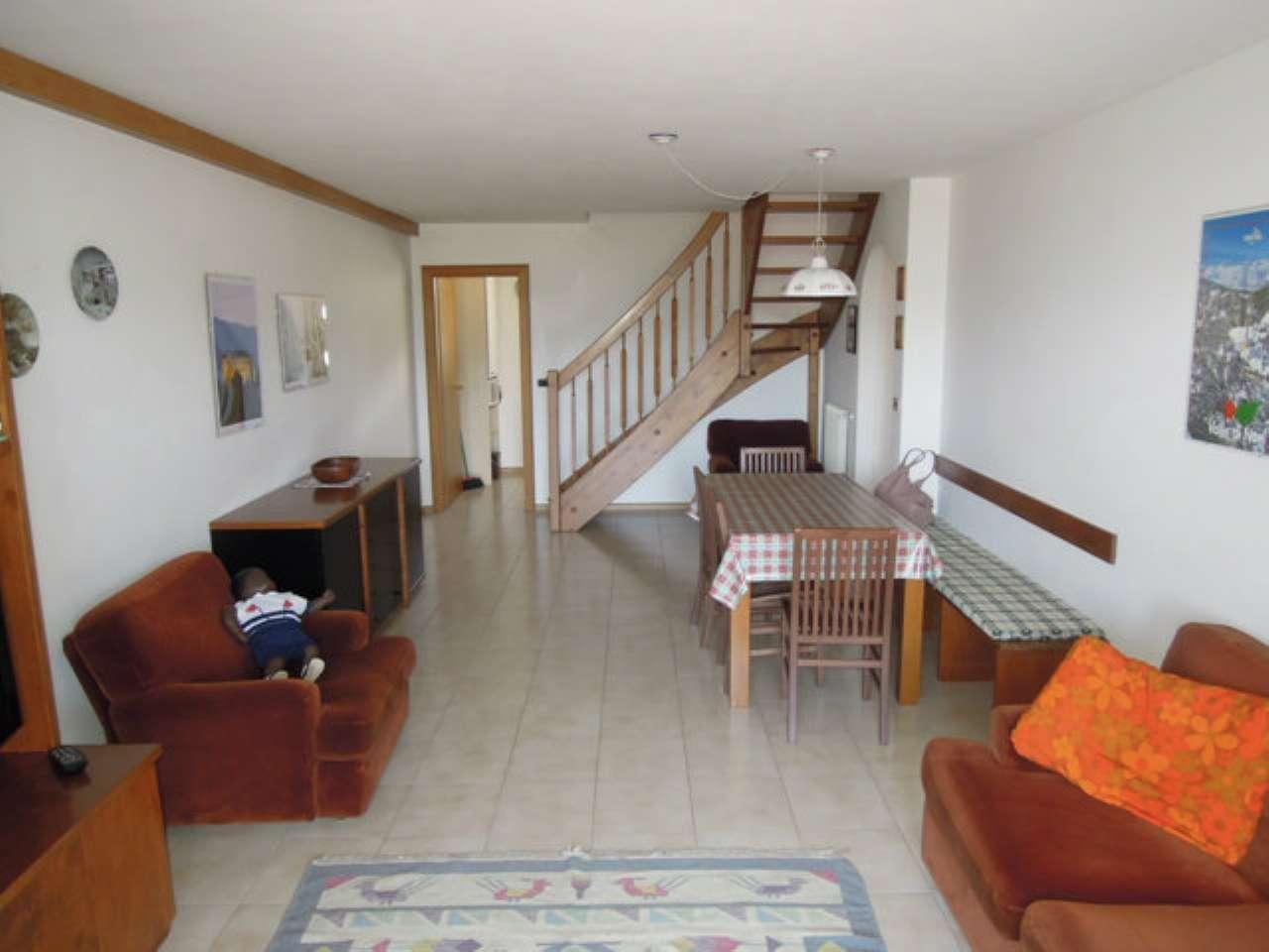 Appartamento in vendita a Castelfondo, 4 locali, prezzo € 130.000   CambioCasa.it