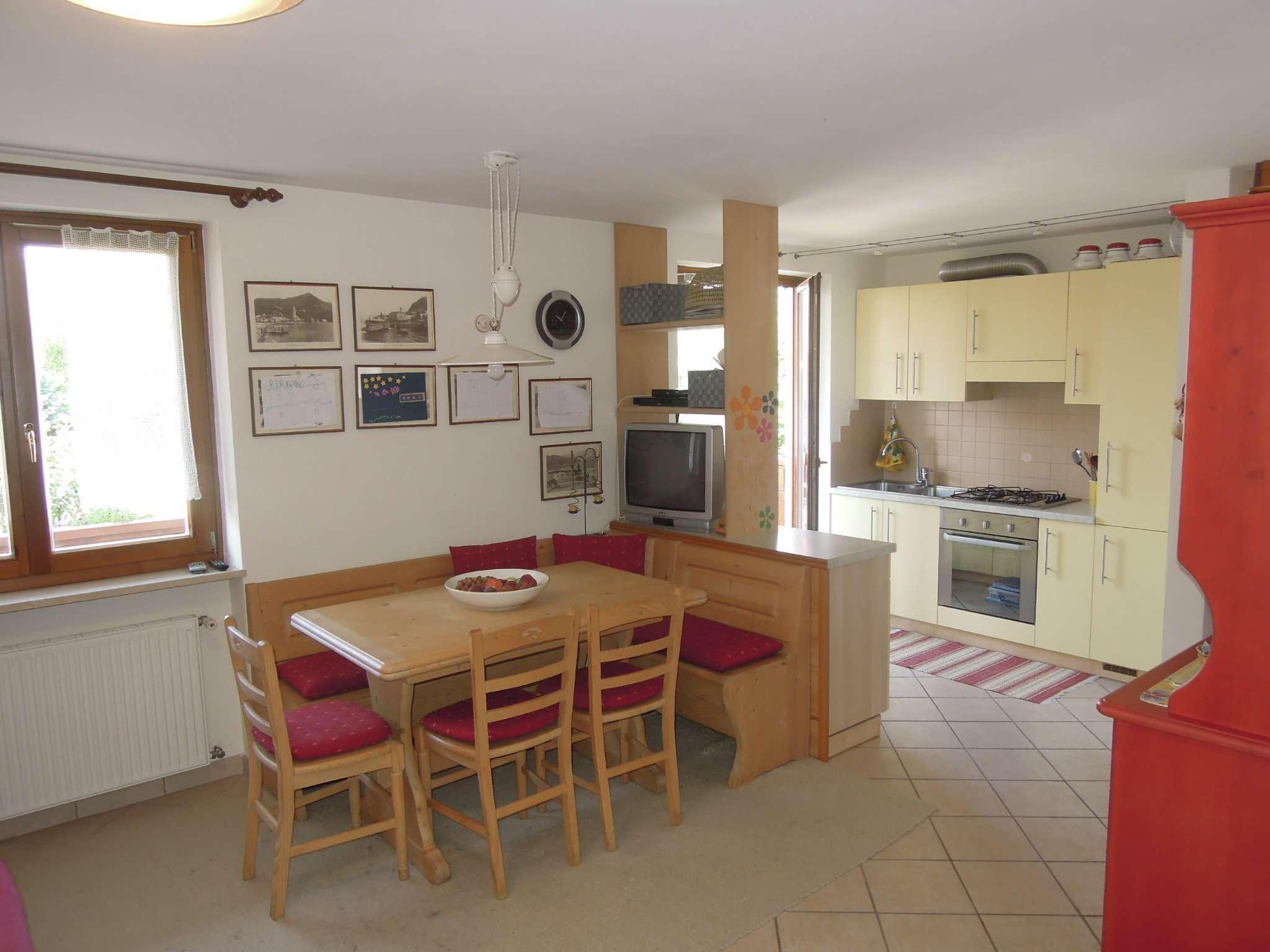 Appartamento in ottime condizioni arredato in vendita Rif. 7603115