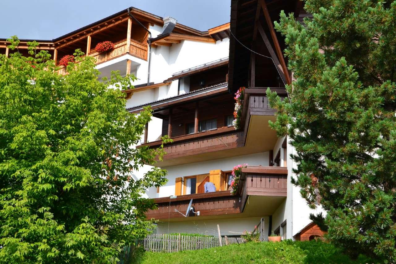 Appartamento in buone condizioni arredato in vendita Rif. 8086869