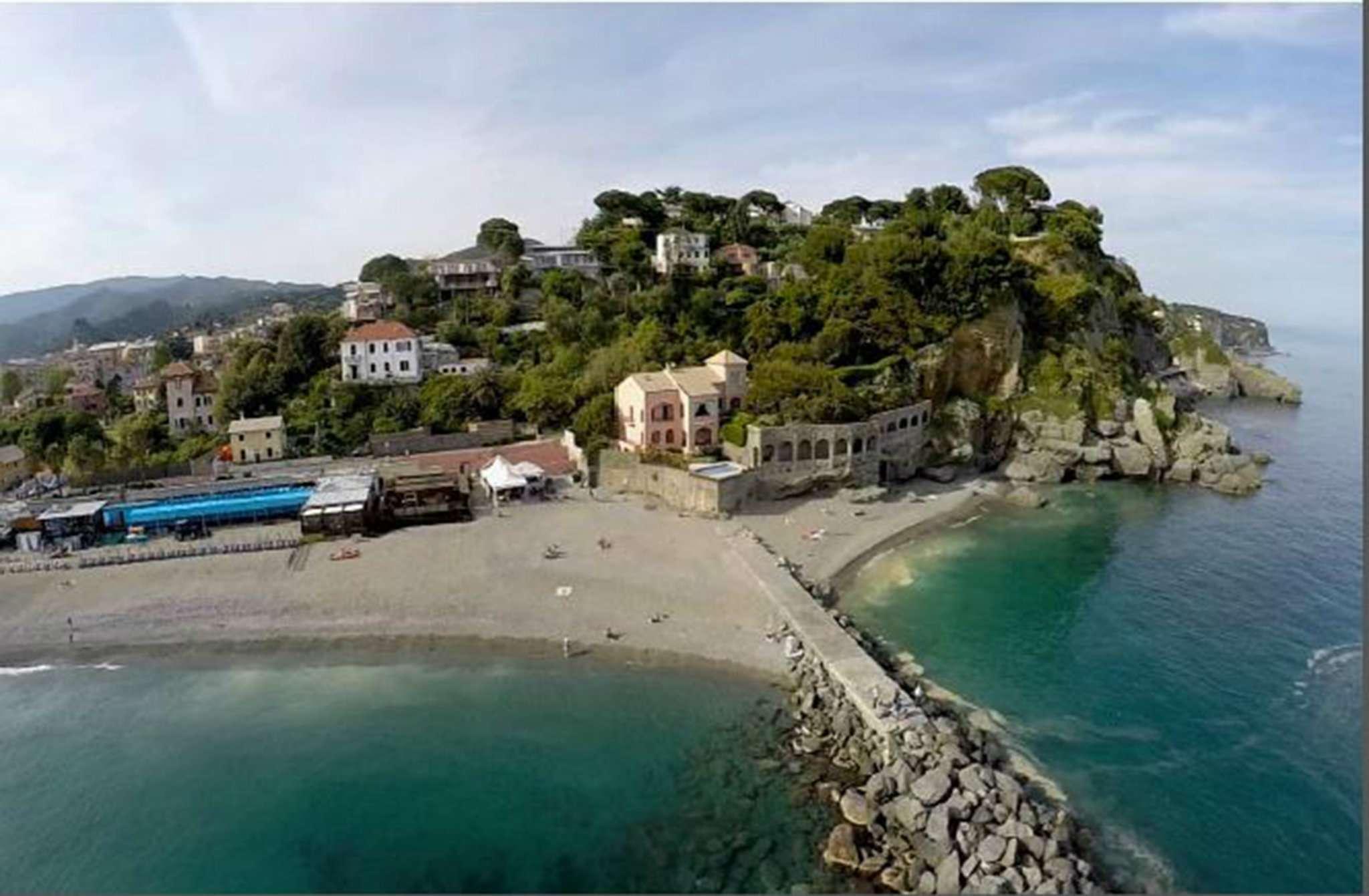 Appartamento in vendita a Albisola Superiore, 5 locali, prezzo € 630.000 | PortaleAgenzieImmobiliari.it