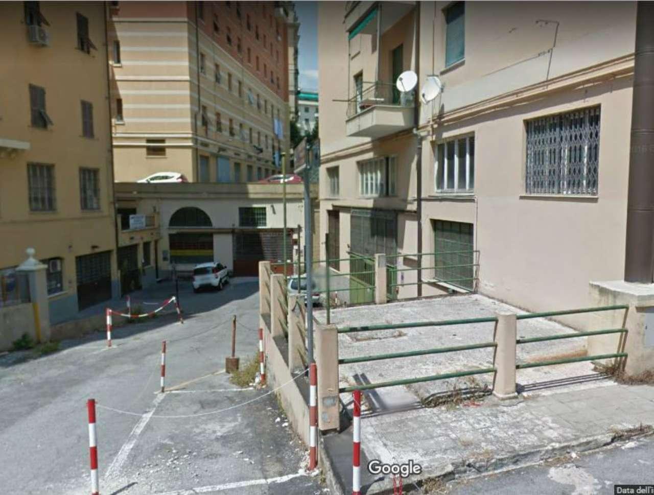 Immobile a Genova