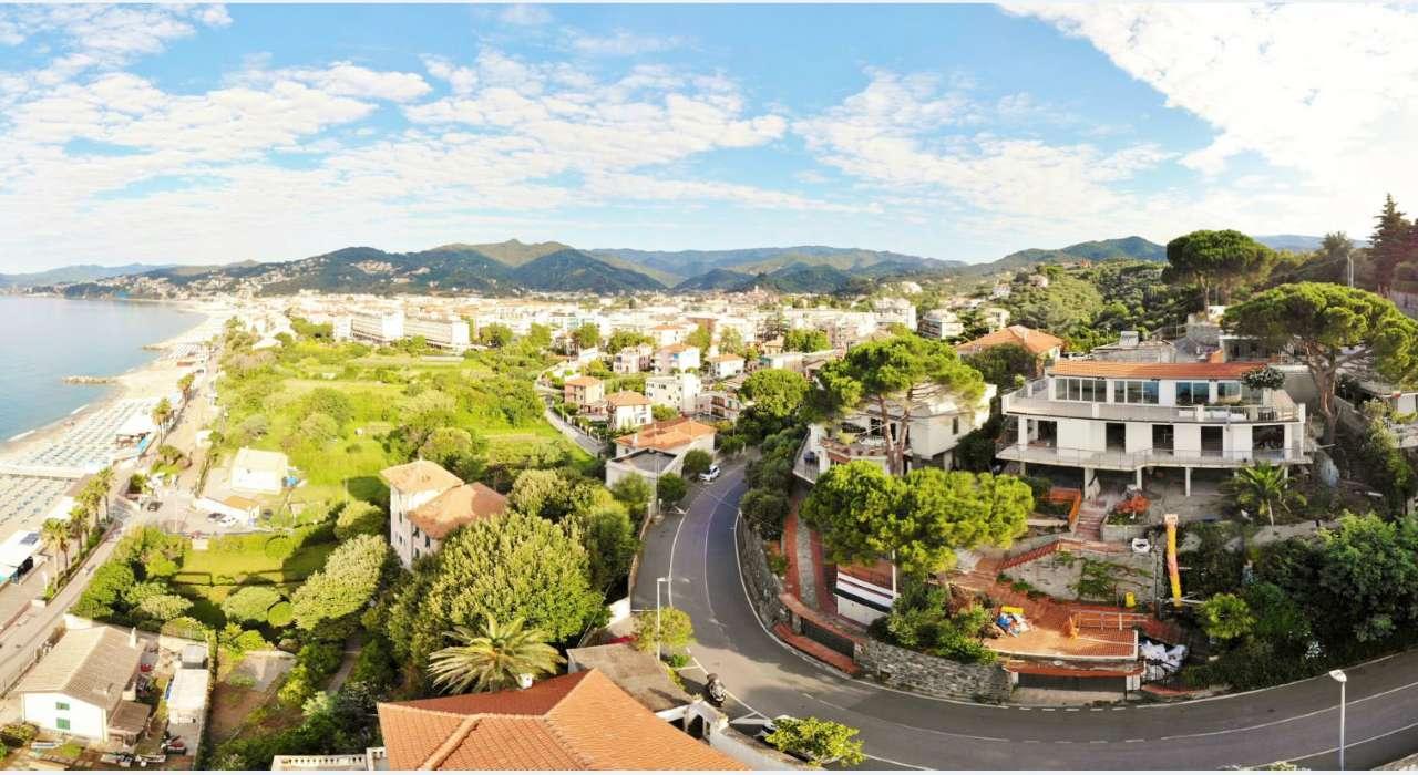 Appartamento in vendita a Albisola Superiore, 6 locali, prezzo € 620.000 | PortaleAgenzieImmobiliari.it