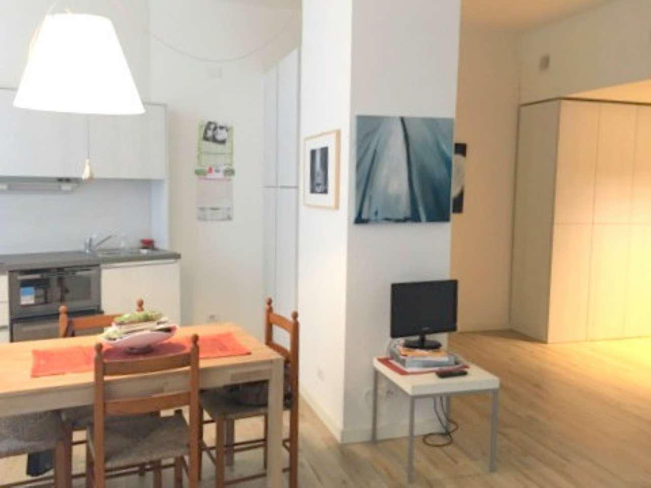 Appartamento in ottime condizioni arredato in affitto Rif. 6841852