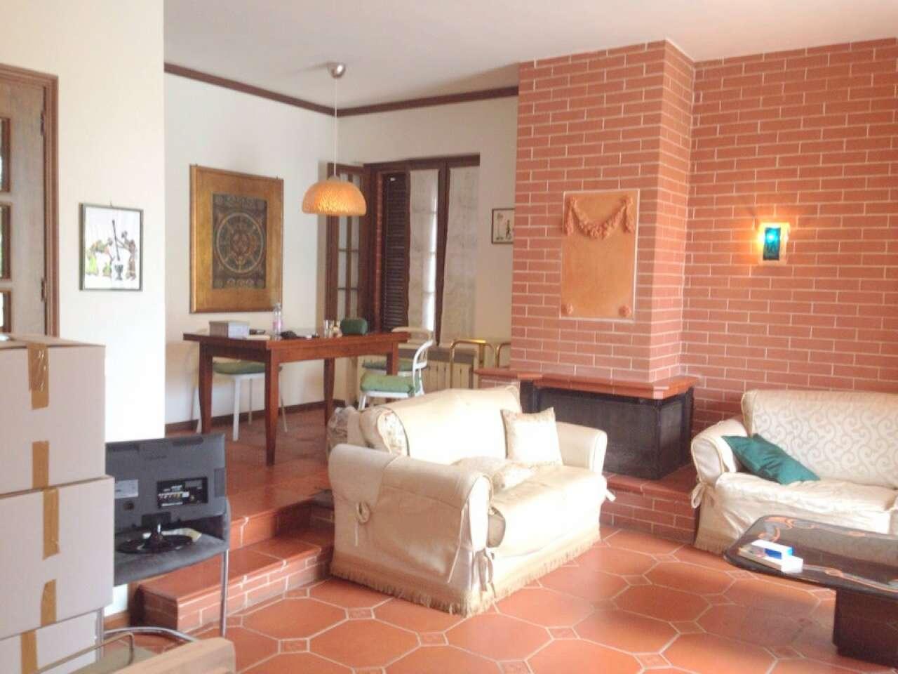 Appartamento in buone condizioni arredato in affitto Rif. 8663450