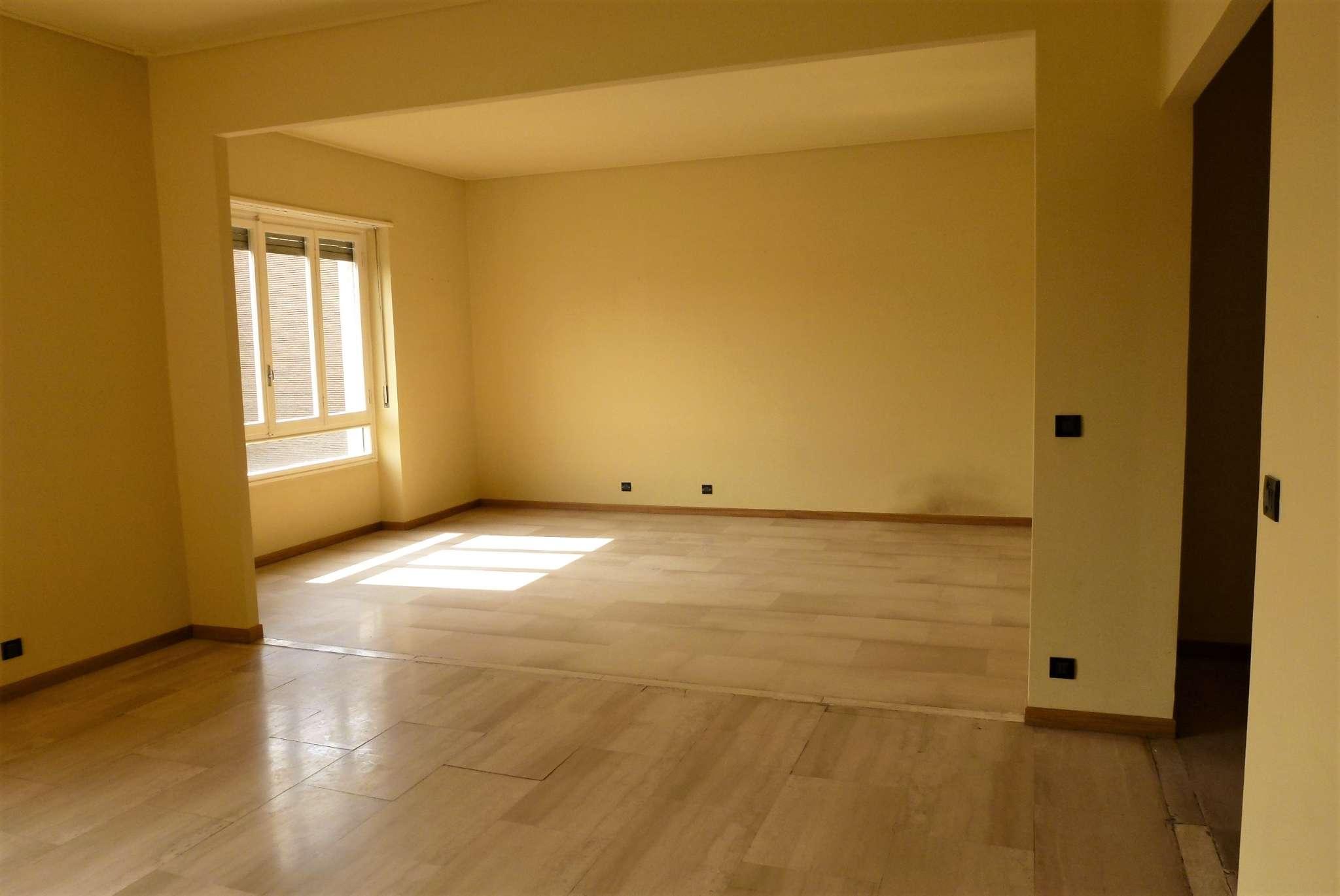 Appartamento in vendita a Torino, 5 locali, zona Santa Rita, prezzo € 320.000 | PortaleAgenzieImmobiliari.it
