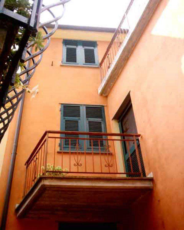 Palazzo / Stabile in vendita a Ne, 7 locali, prezzo € 35.000 | CambioCasa.it