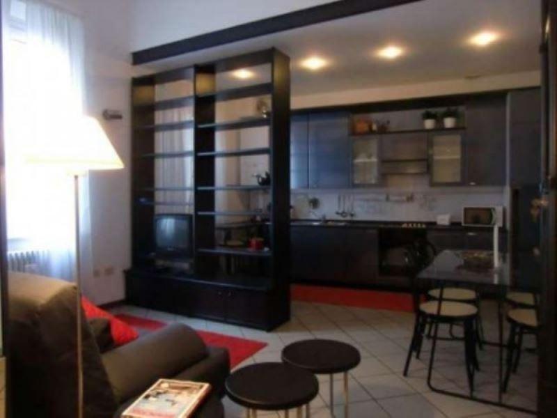 Appartamento in ottime condizioni arredato in affitto Rif. 9179975