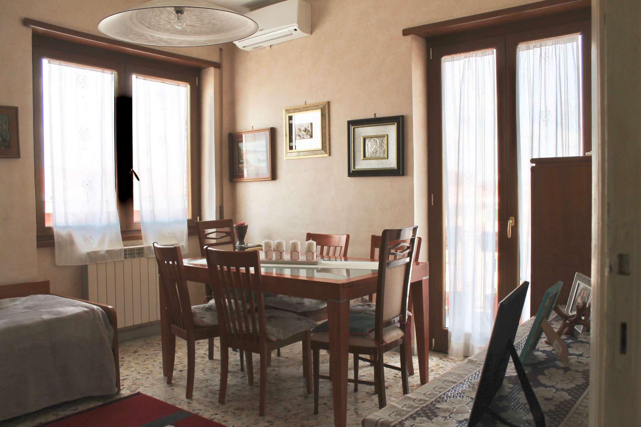 Appartamento in buone condizioni in vendita Rif. 7349260