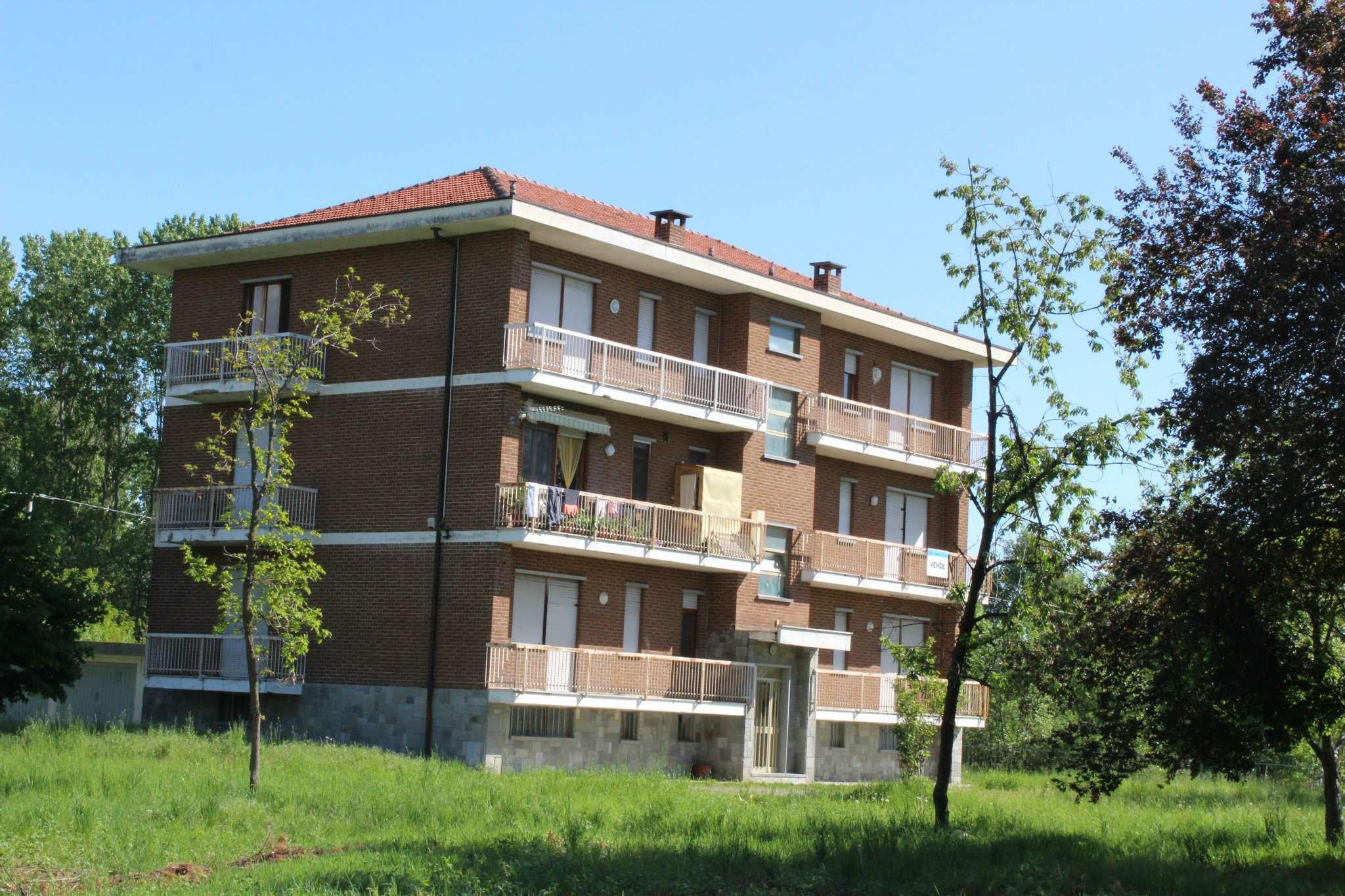 Palazzo / Stabile in Vendita a Cafasse