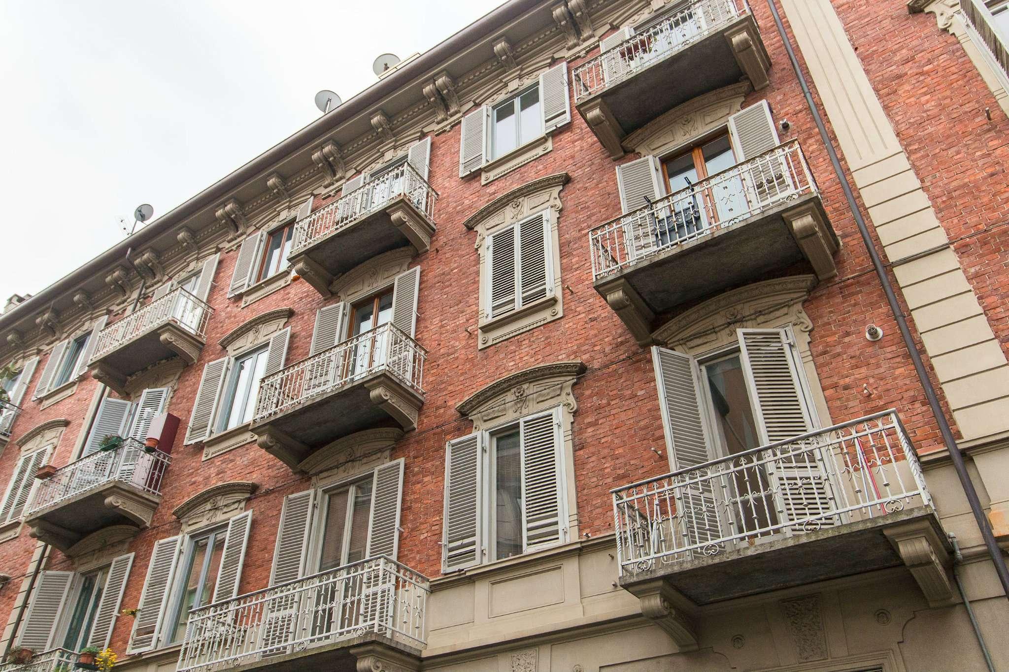 Case in affitto a torino zona cit turin san donato for Appartamento design torino affitto