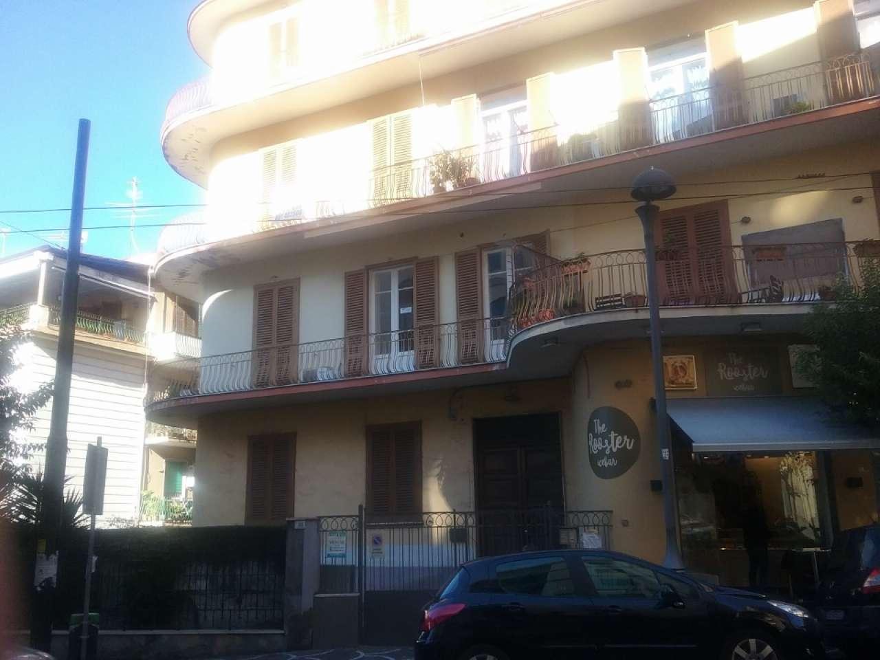 Appartamento in buone condizioni in affitto Rif. 8679014