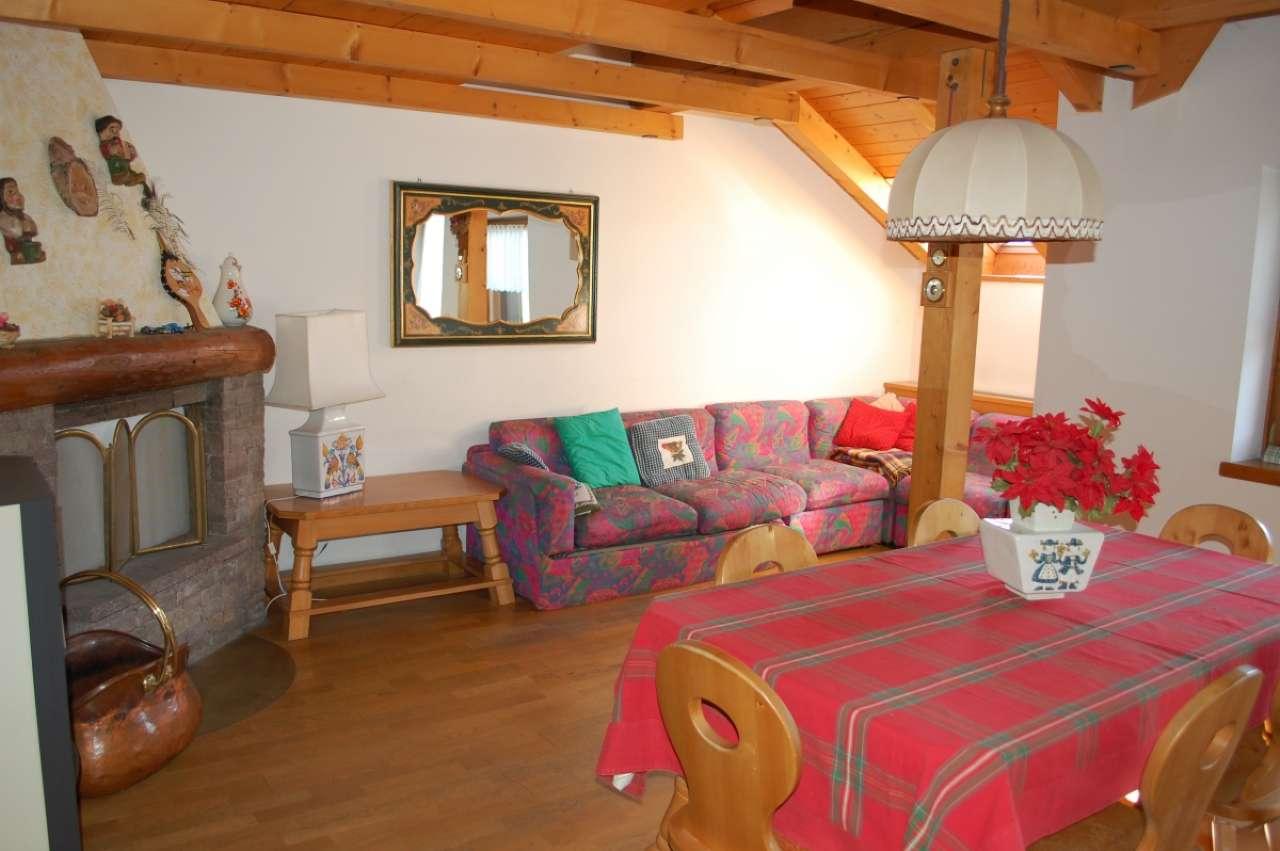 Appartamento in ottime condizioni arredato in vendita Rif. 5117106
