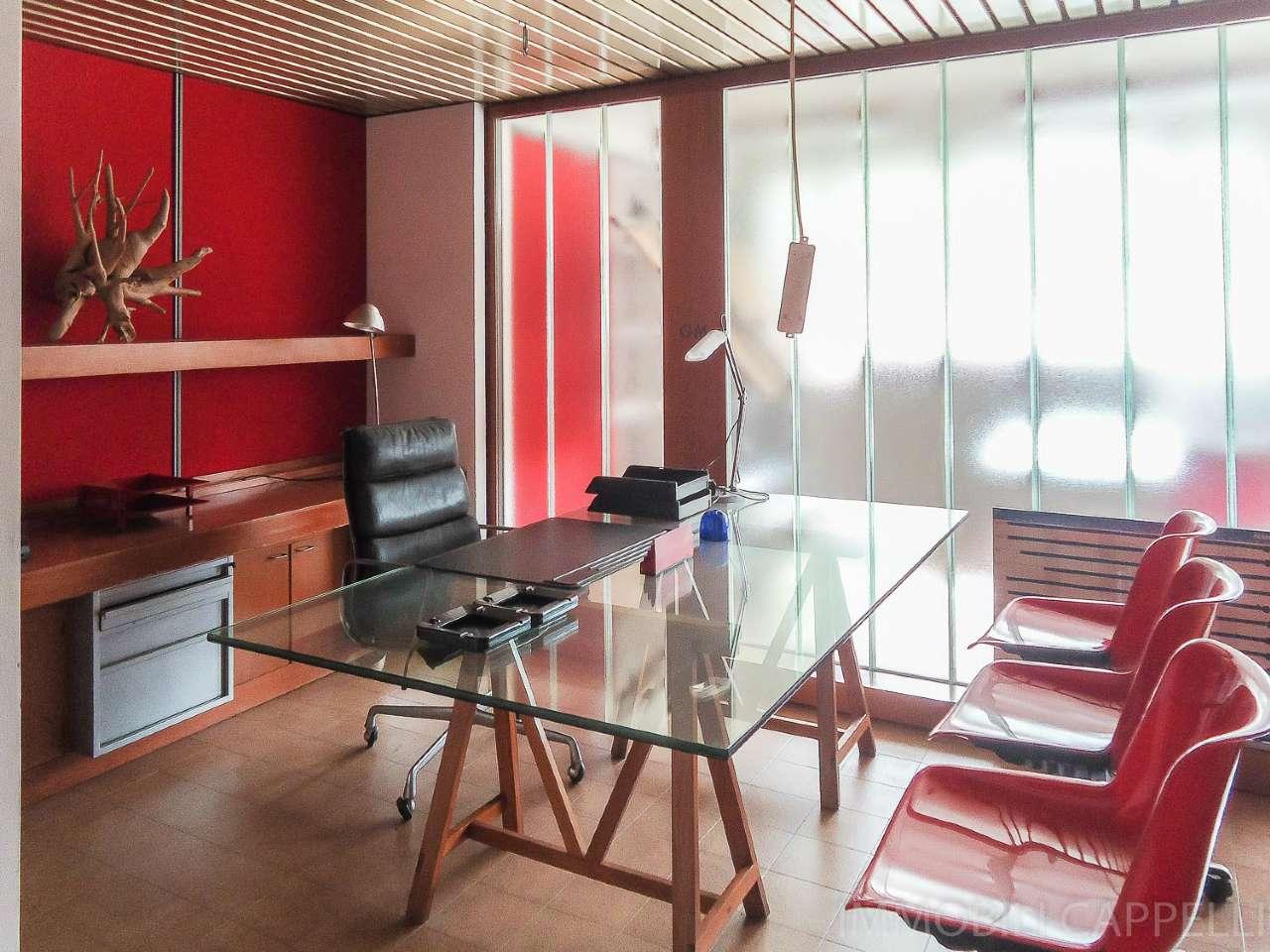Ufficio / Studio in affitto a Cesena, 3 locali, prezzo € 450 | CambioCasa.it