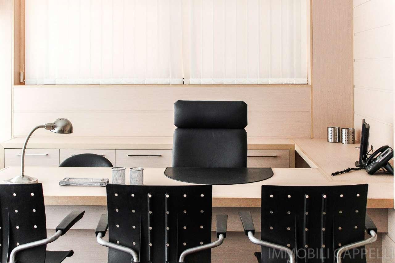 Ufficio / Studio in affitto a Cesena, 2 locali, prezzo € 190.000 | CambioCasa.it