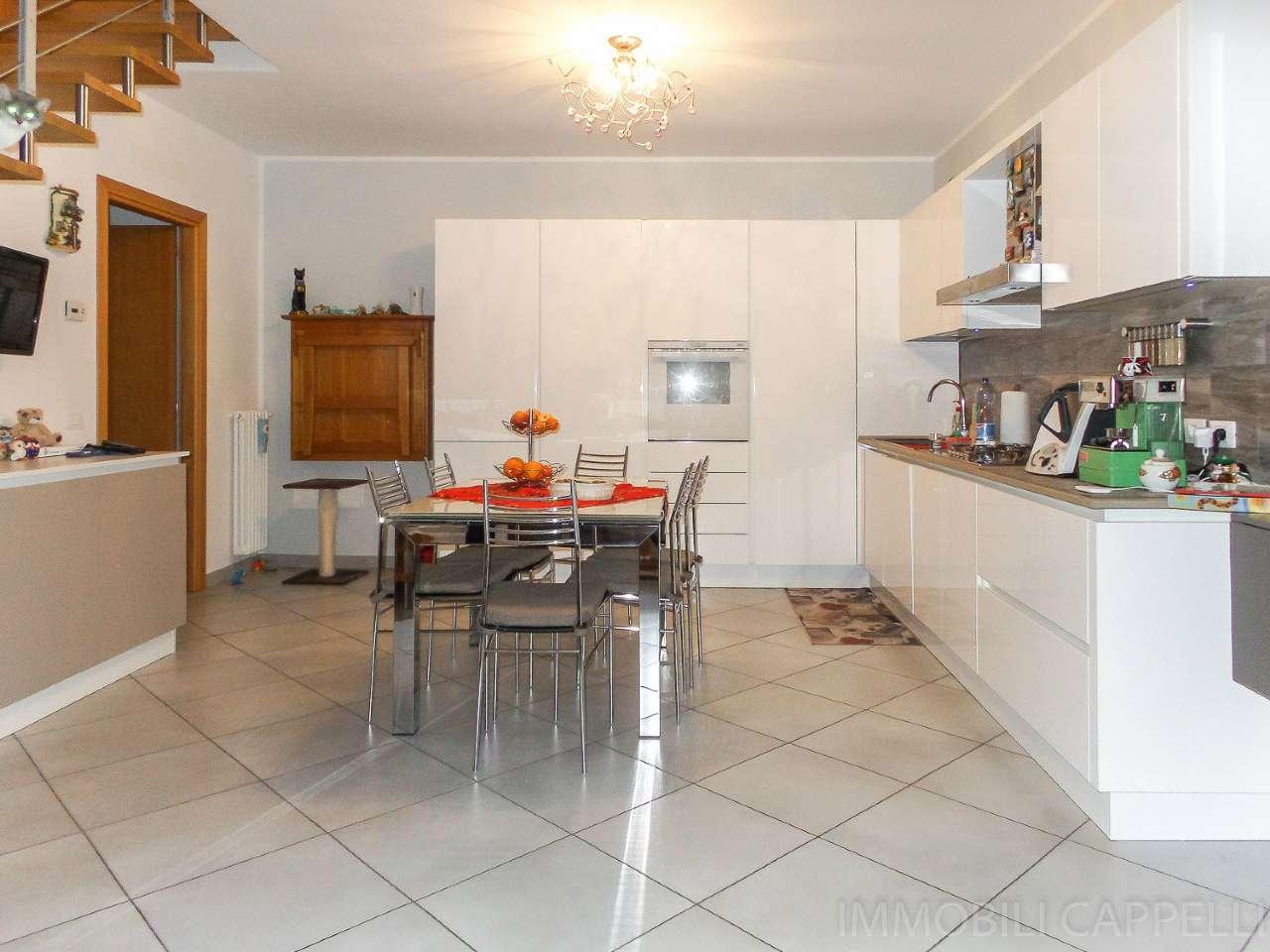 Appartamento in ottime condizioni in vendita Rif. 8938600