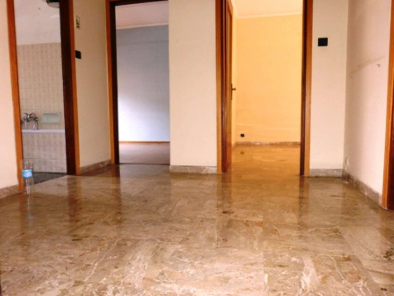 Appartamento in discrete condizioni in vendita Rif. 7163676