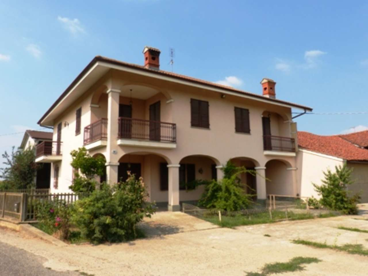 Casa Indipendente in discrete condizioni in vendita Rif. 7451935