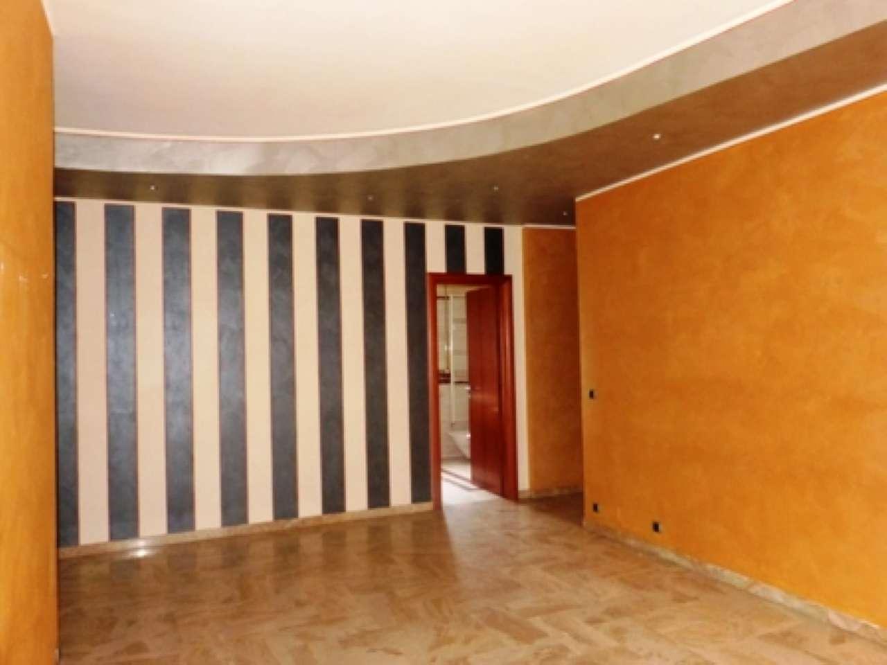 Appartamento in buone condizioni in affitto Rif. 8610612