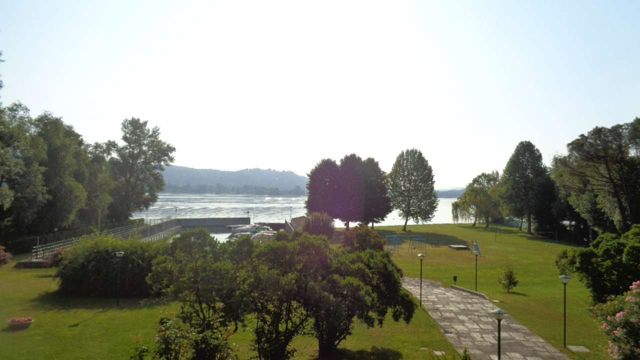 splendido 2 locali in residence con ampio parco , campo da tennis e custode