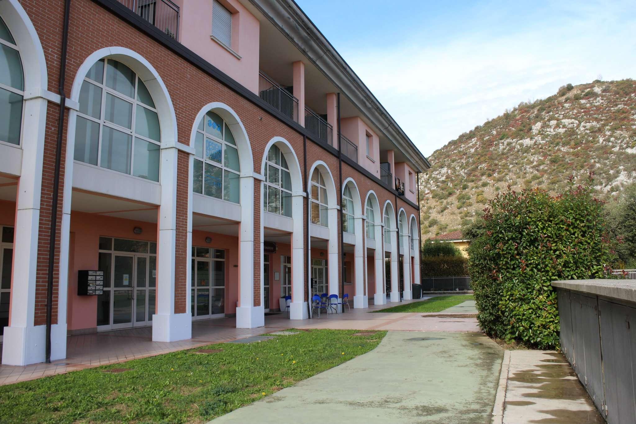 Negozio / Locale in affitto a Mazzano, 2 locali, prezzo € 500 | CambioCasa.it