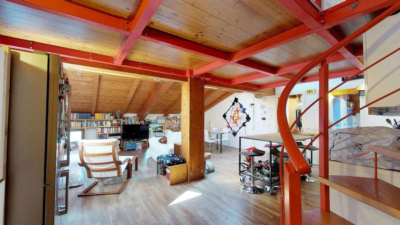 Appartamento in ottime condizioni parzialmente arredato in vendita Rif. 8679065