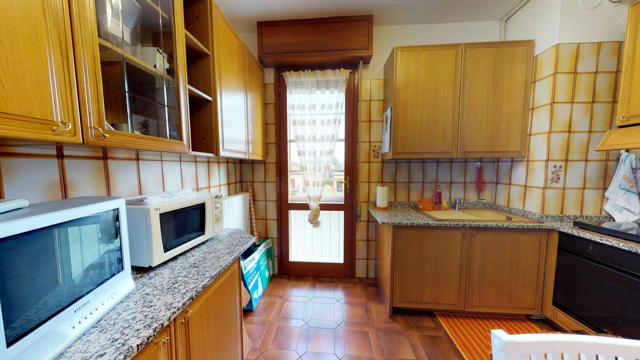 Appartamento in buone condizioni arredato in vendita Rif. 8938617