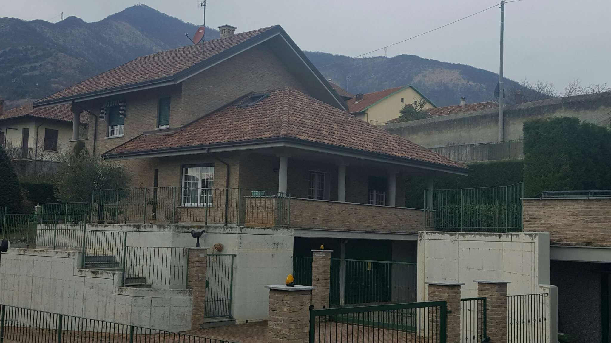 Villa in vendita a Caselette, 10 locali, prezzo € 460.000 | CambioCasa.it