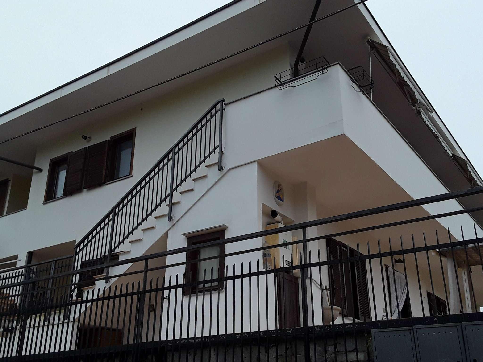 Appartamento in ottime condizioni in affitto Rif. 8610620