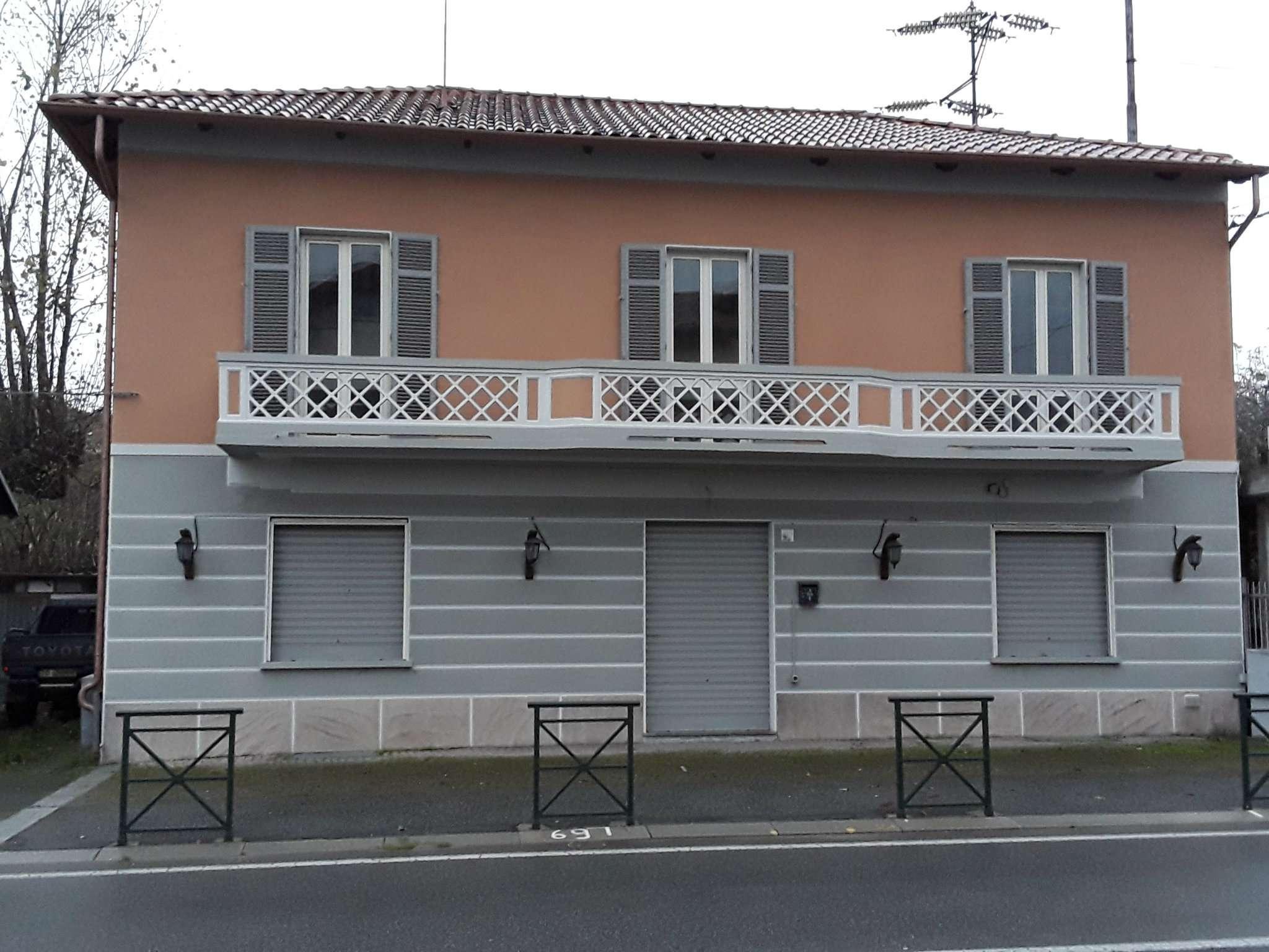 Palazzo / Stabile in Vendita a Avigliana