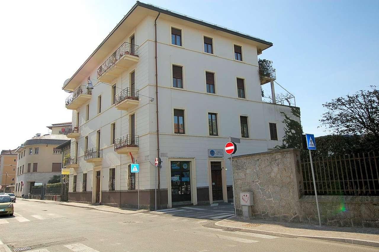 Negozio / Locale in vendita a Arona, 3 locali, prezzo € 135.000 | PortaleAgenzieImmobiliari.it