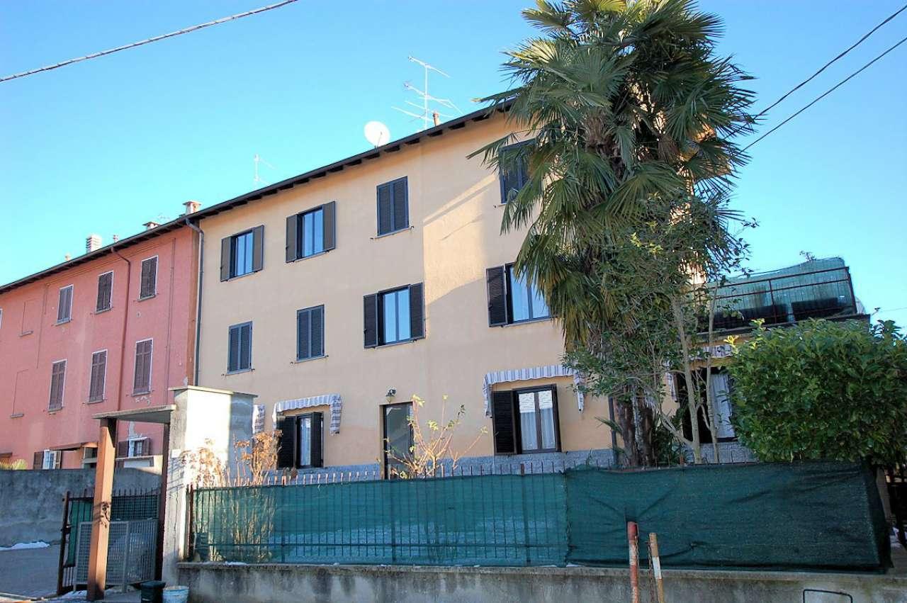 Appartamento in buone condizioni parzialmente arredato in vendita Rif. 5130075