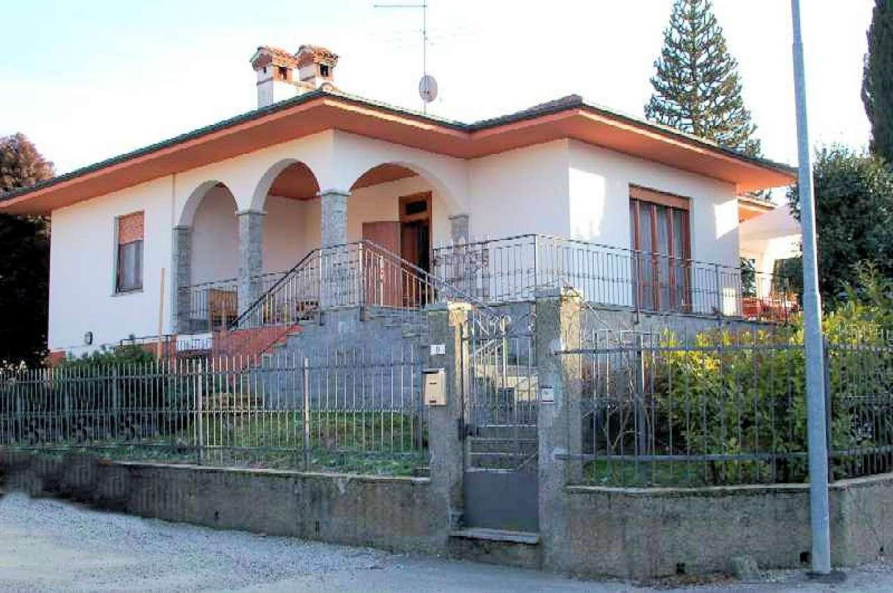Villa in affitto a Arona, 5 locali, prezzo € 1.500 | PortaleAgenzieImmobiliari.it
