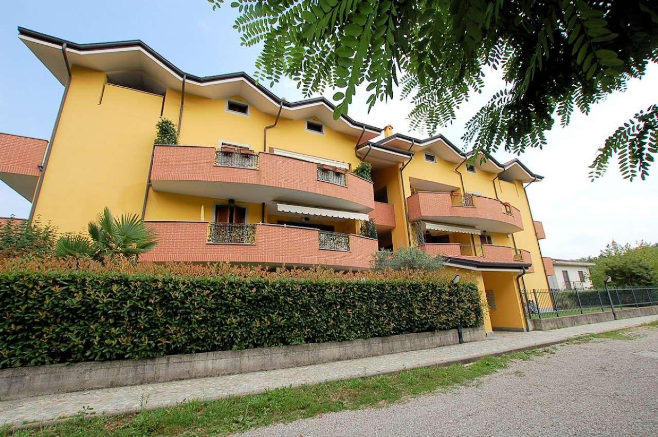 Lago Maggiore Arona vendita appartamento seminuovo