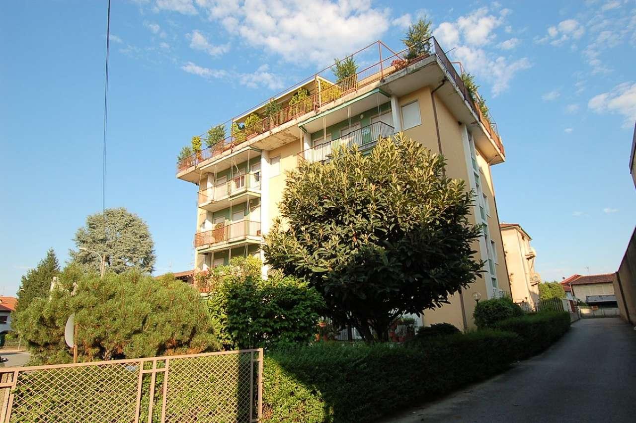 Arona vendita appartamento bilocale piano alto
