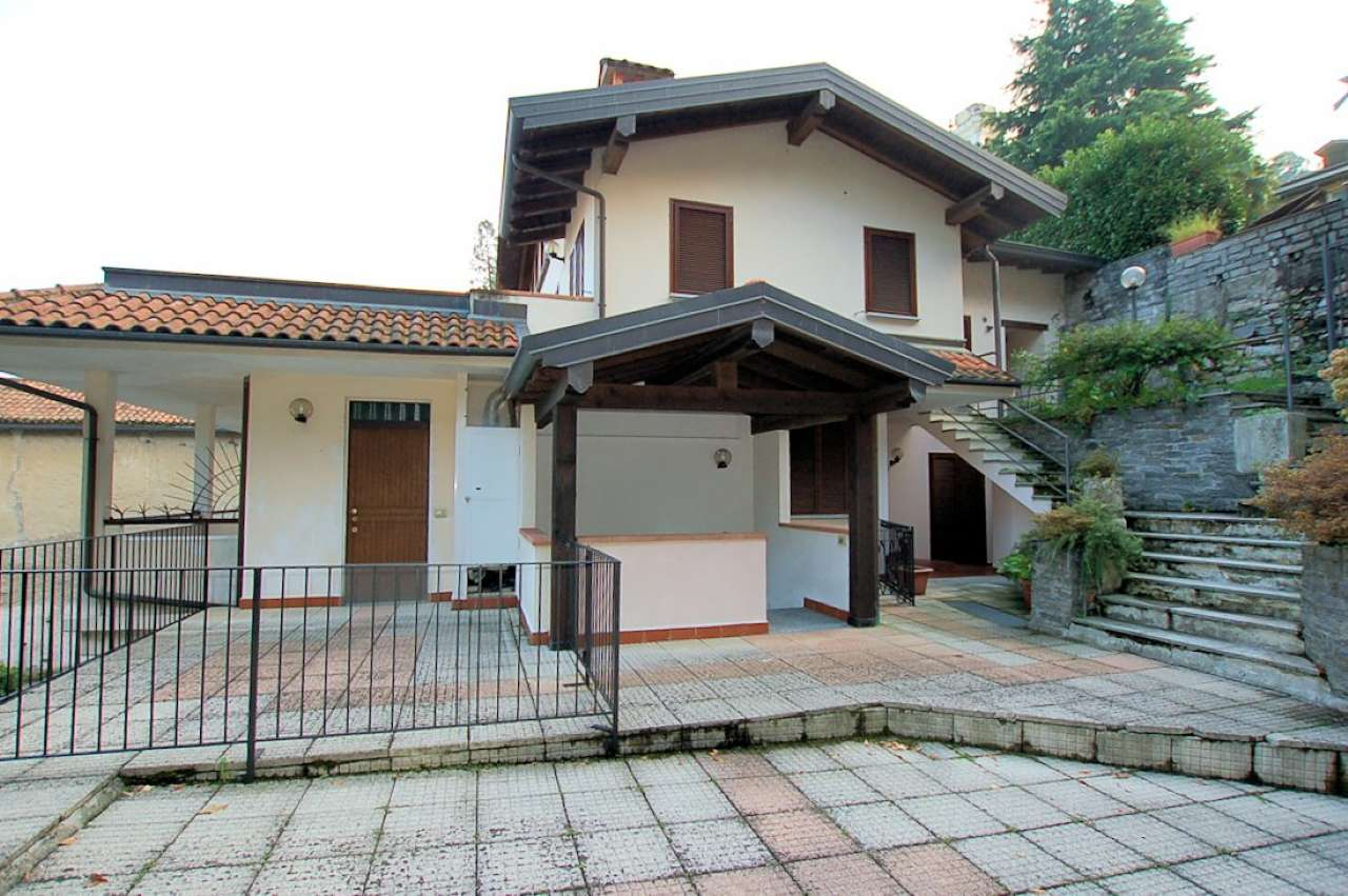Lago Maggiore Meina affitto appartamento indipendente arredato
