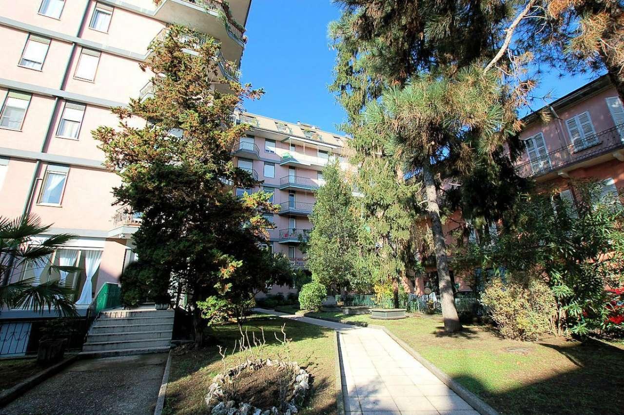 Lago Maggiore Arona vendita centralissimo appartamento di 100 mq. piano alto