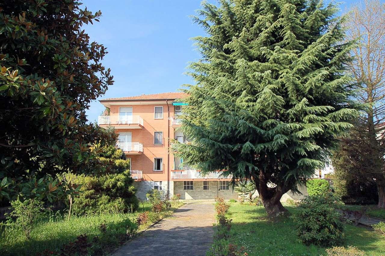 Appartamento in buone condizioni in affitto Rif. 9015491