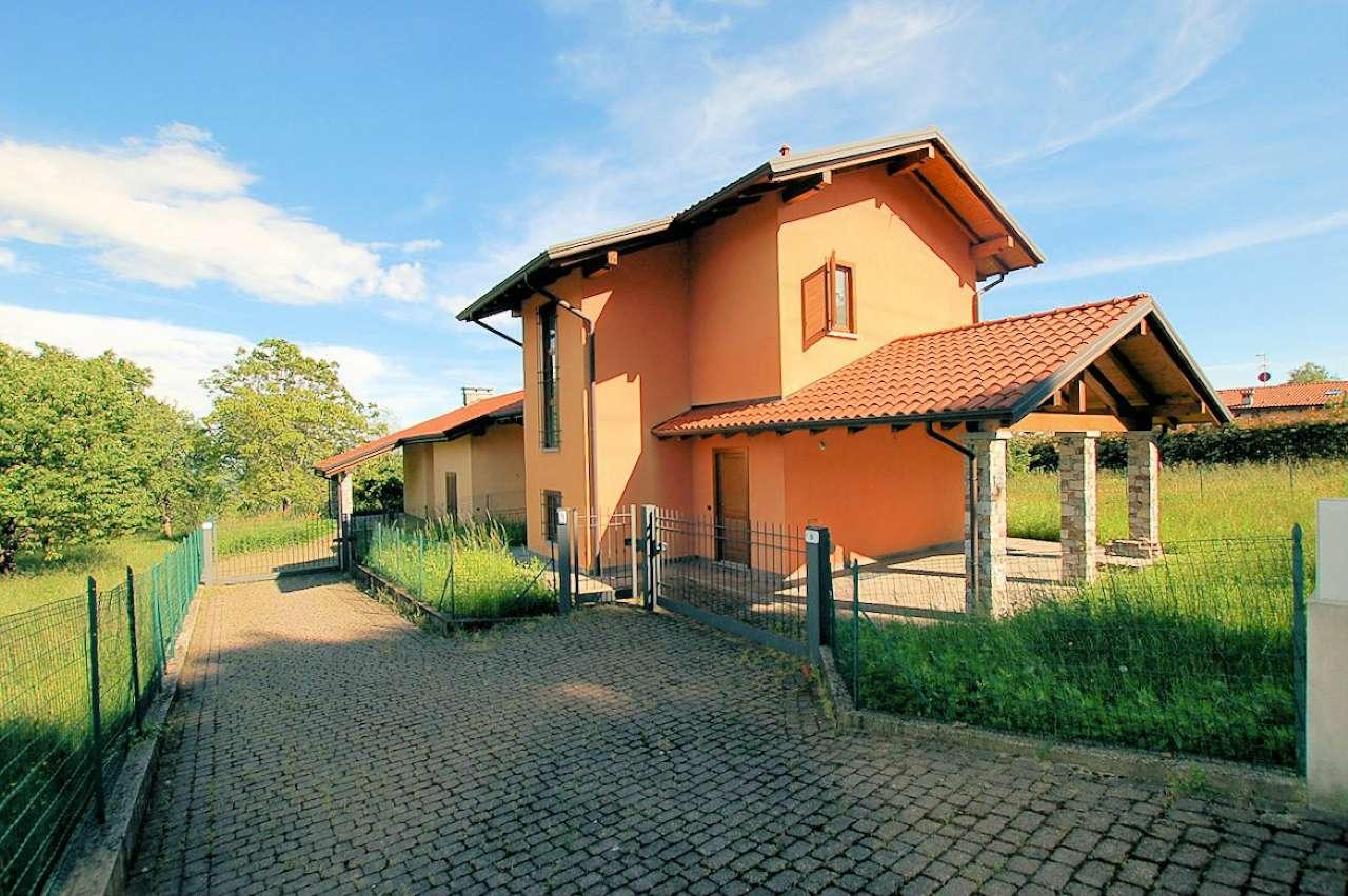 Villa in vendita a Massino Visconti, 4 locali, prezzo € 240.000 | PortaleAgenzieImmobiliari.it