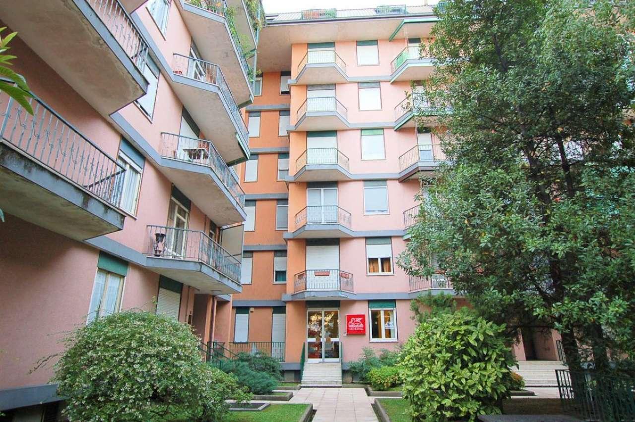 Ufficio / Studio in affitto a Arona, 3 locali, prezzo € 650 | CambioCasa.it