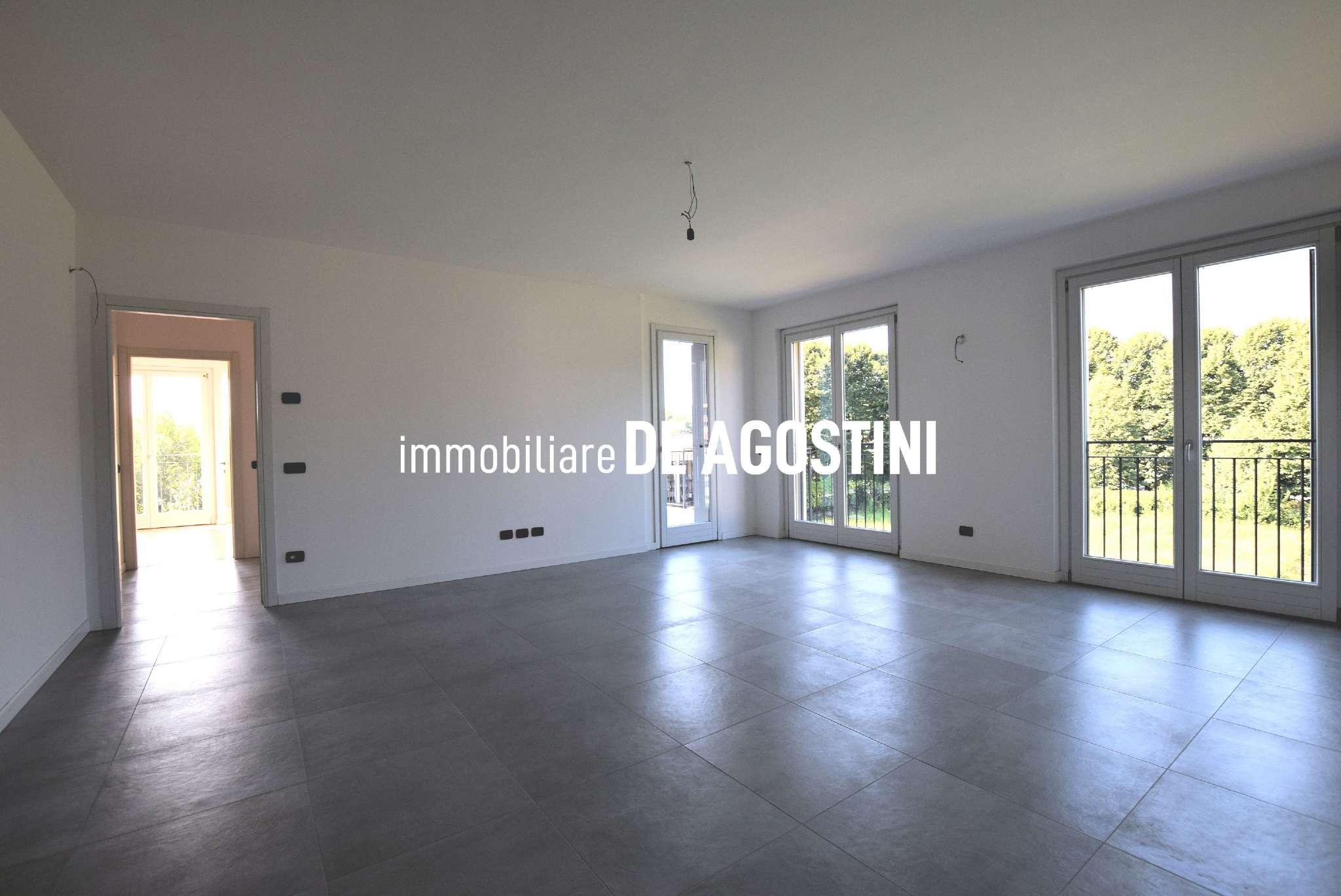 Appartamento in vendita a Arona, 5 locali, prezzo € 345.000 | CambioCasa.it
