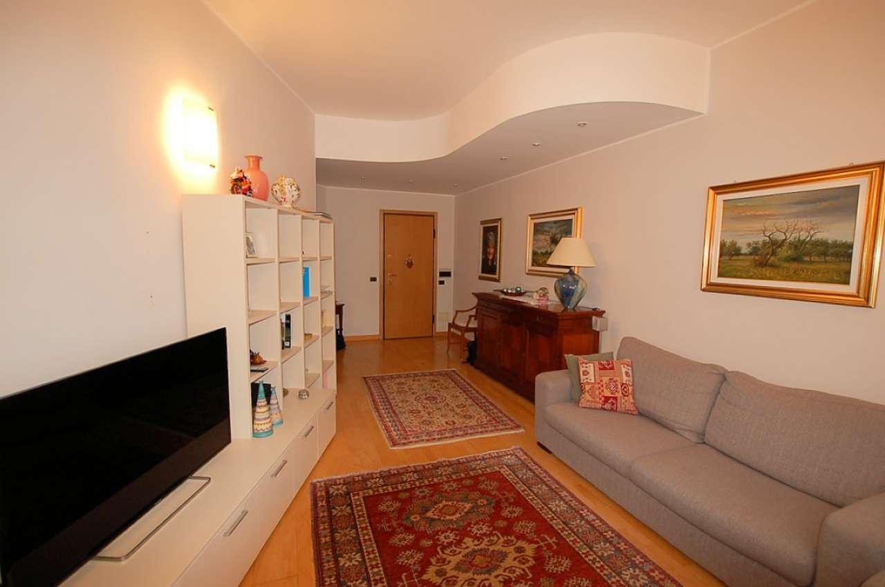Appartamento in vendita a Arona, 3 locali, prezzo € 130.000 | PortaleAgenzieImmobiliari.it