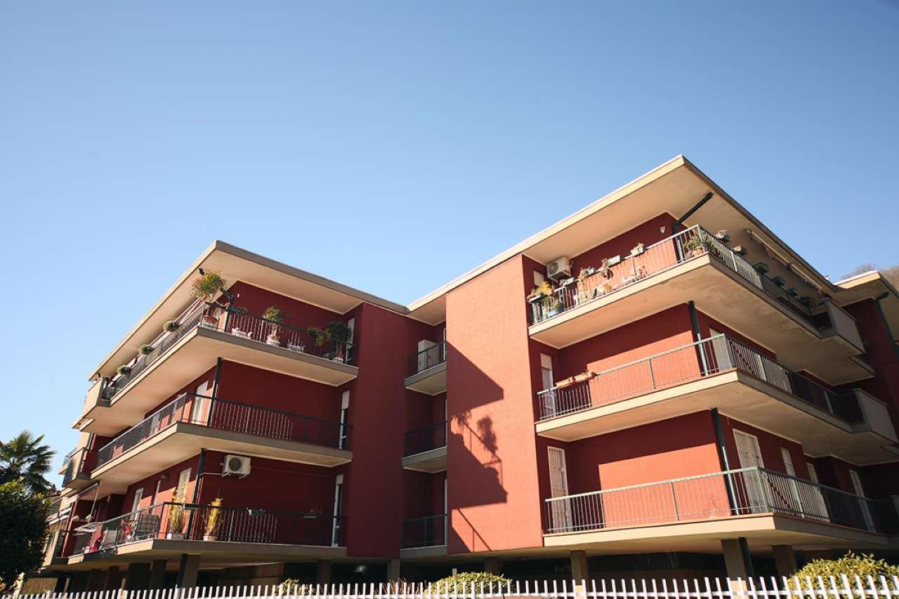Appartamento in vendita a Arona, 3 locali, prezzo € 140.000 | CambioCasa.it