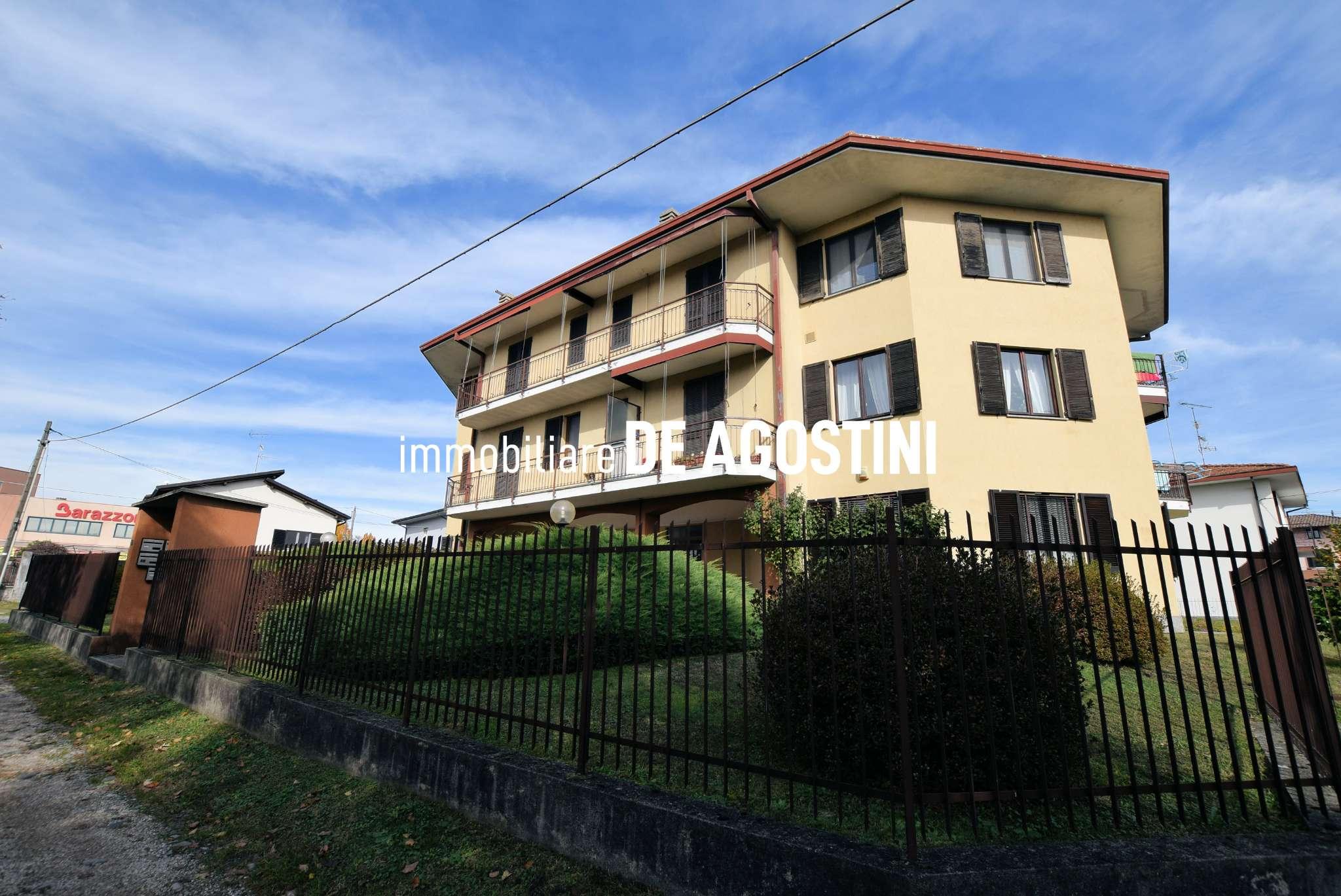 Appartamento in vendita a Oleggio Castello, 3 locali, prezzo € 140.000 | CambioCasa.it