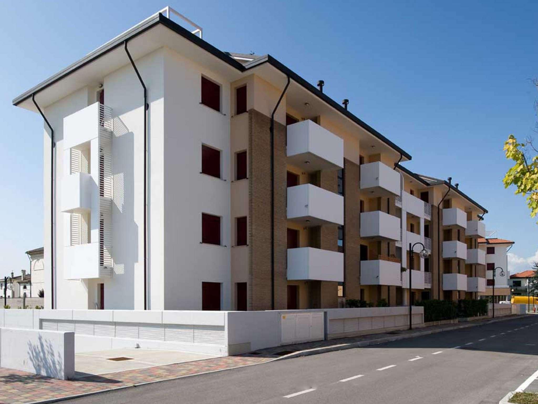 Appartamento in vendita a Paese, 6 locali, prezzo € 292.000   CambioCasa.it