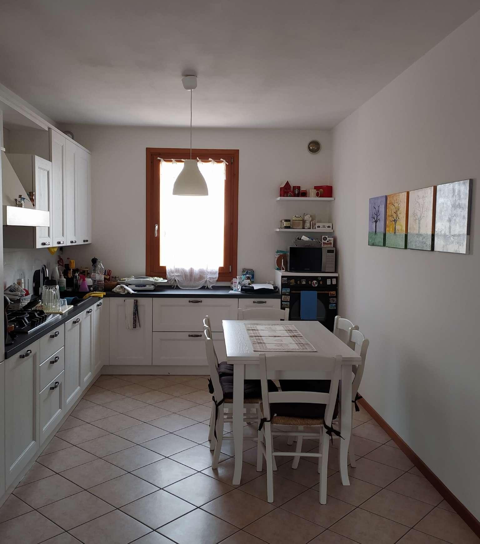 Appartamento in vendita a Paese, 5 locali, prezzo € 135.000 | PortaleAgenzieImmobiliari.it