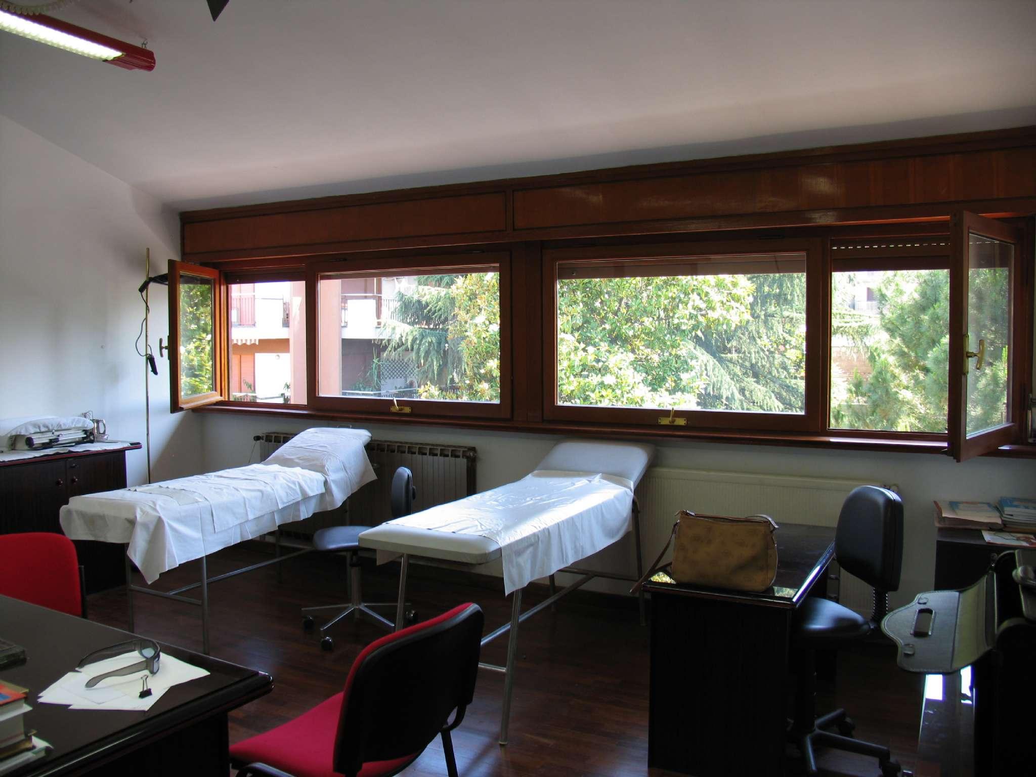 Ufficio / Studio in affitto a Monterotondo, 4 locali, prezzo € 1.500   CambioCasa.it