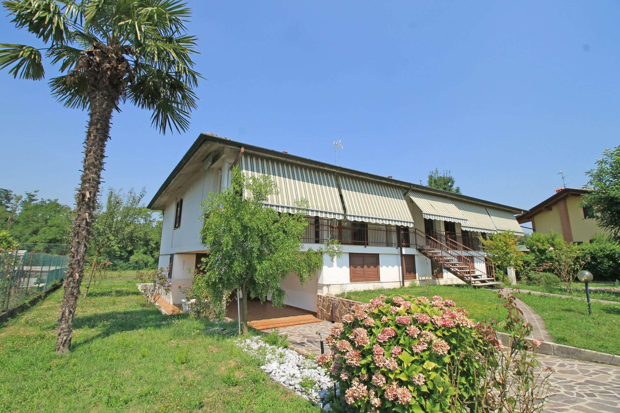 Villa in vendita a Basiano, 8 locali, prezzo € 490.000 | CambioCasa.it