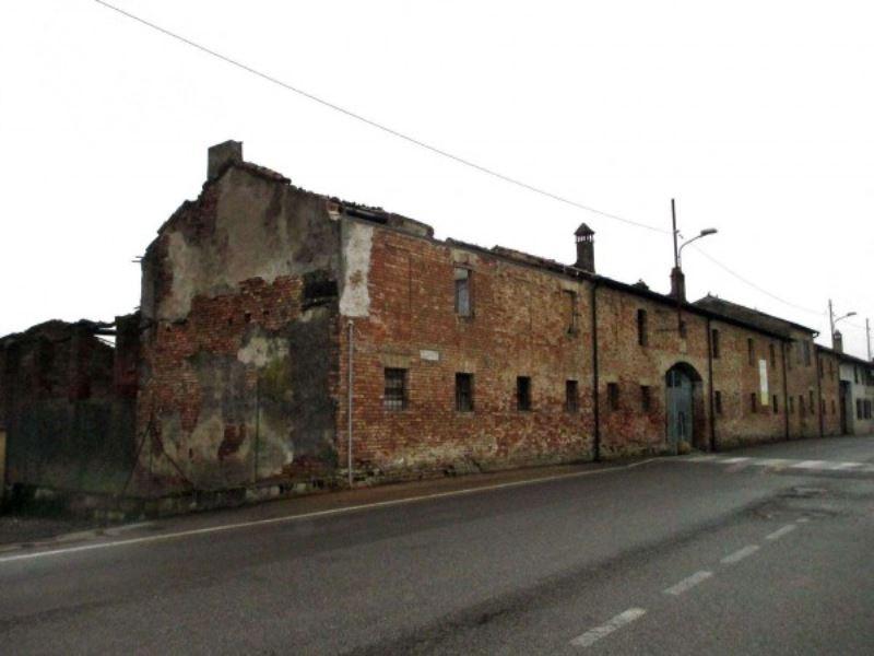 Rustico / Casale in vendita a Cappella Cantone, 6 locali, prezzo € 250.000 | CambioCasa.it