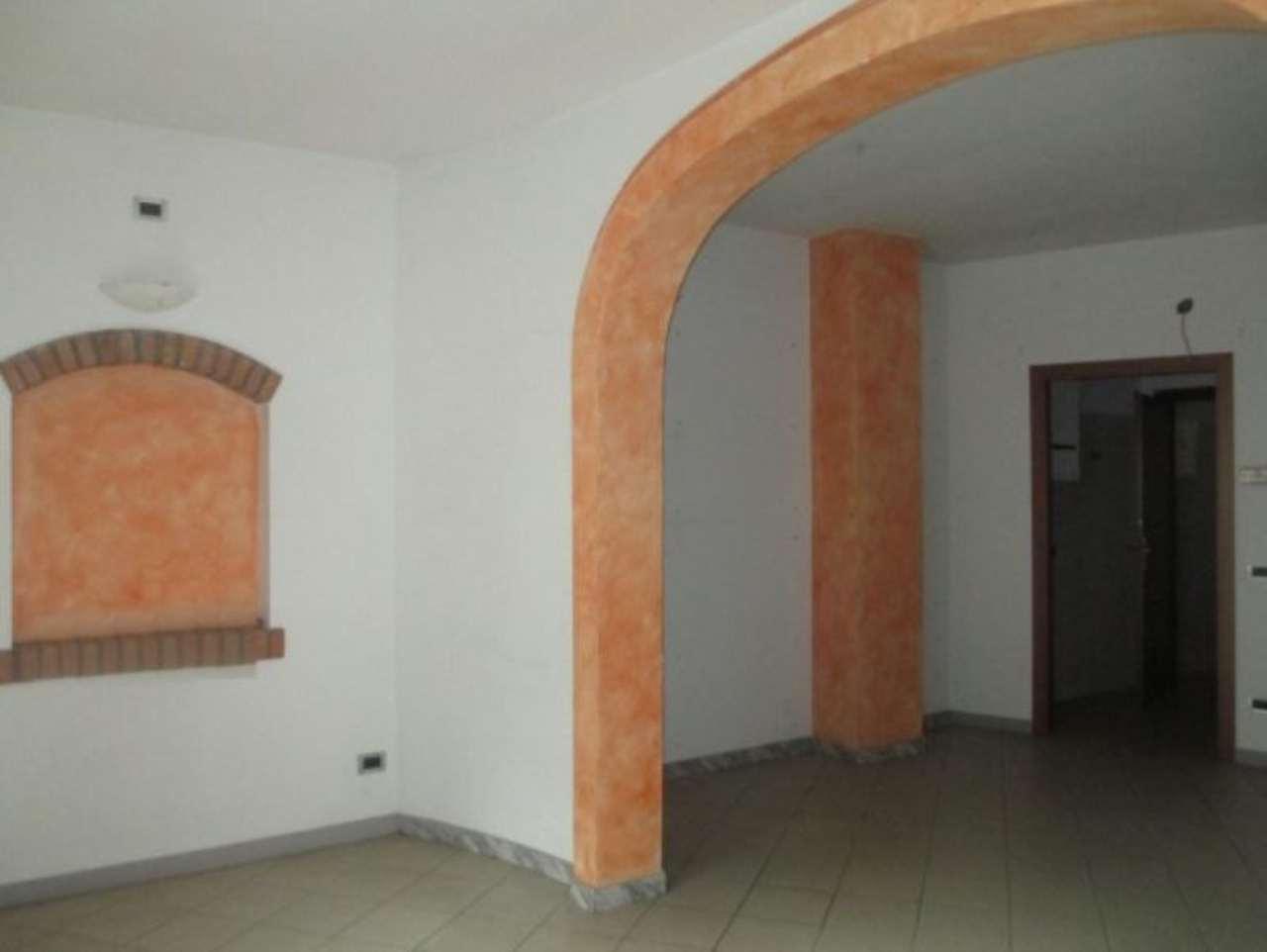 Palazzo / Stabile in vendita a Soresina, 6 locali, prezzo € 130.000   CambioCasa.it