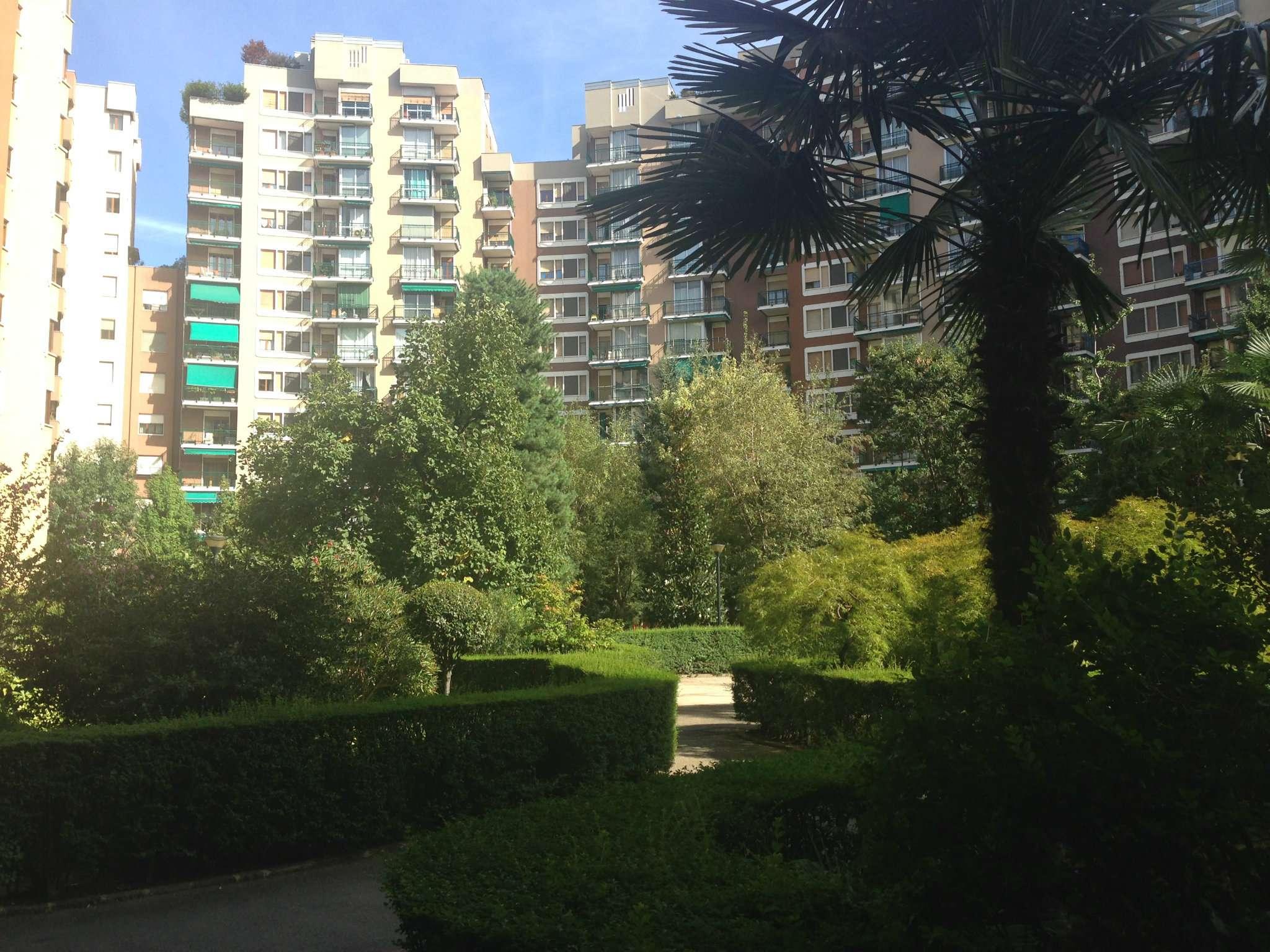 Appartamento in ottime condizioni arredato in affitto Rif. 8245291